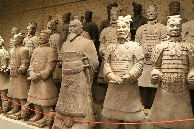 Слайдер Выставка «Культурные памятники Терракотовой армии императора Цинь Шихуанди»