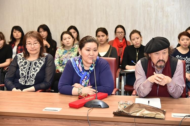 фото Пресс-конференция с участием японских художников