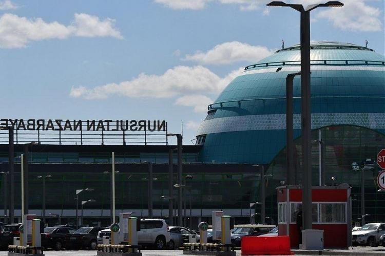 фото За парковку в аэропорту заплатили 57 тысяч тенге