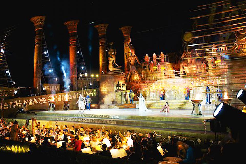 фото Дж. Верди опера «Аида» на открытой площадке
