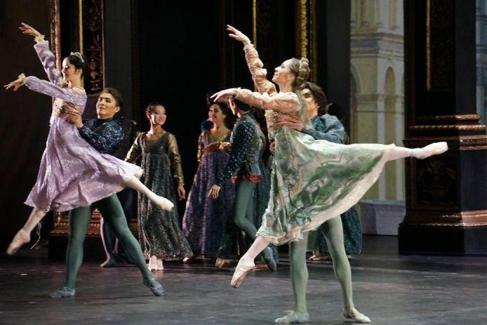 фото Показ оперы «Мет: Ромео и Джульетта»