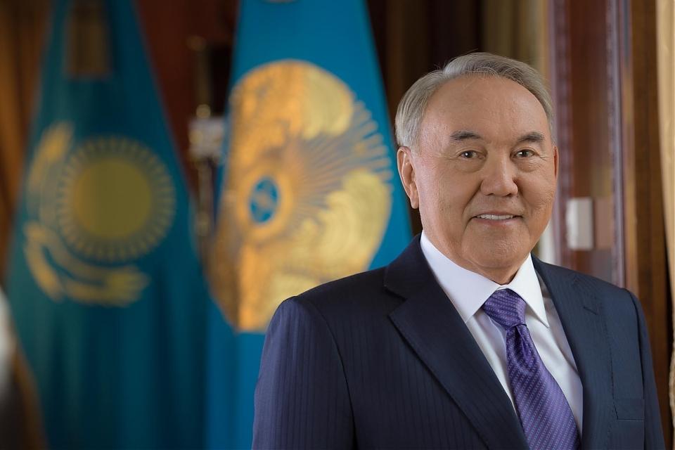 фото Поздравление акима Астаны А.Джаксыбекова с Днем Первого Президента РК