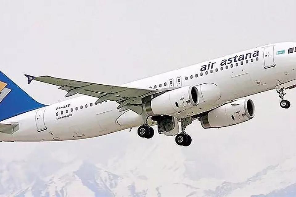 фото Самолет «Эйр Астаны» экстренно сел в Алматы из-за отказа двигателя